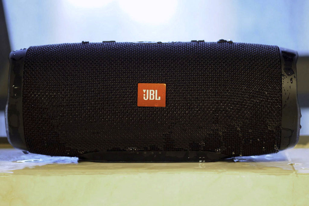 JBL Charge 3 Speaker wet with water