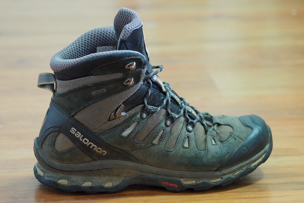 A side profile of the Salomon Quest 4D 3 GTX backpacking boot