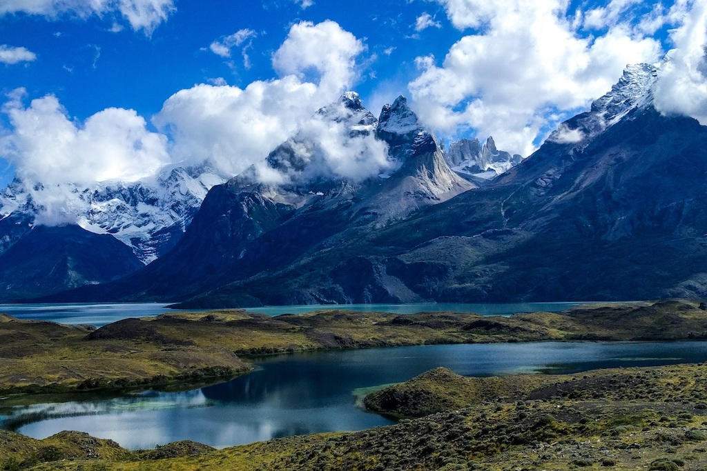 Mountain range and lake on the 'O' Circuit in Torres del Paine, Patagonia